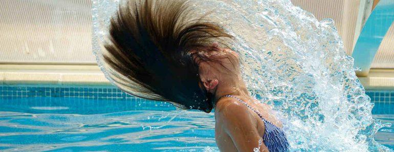 Zadaszenie basenu z powłoką hydrofobową